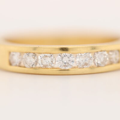 7 diamond round brilliant cut 18 karat yellow gold